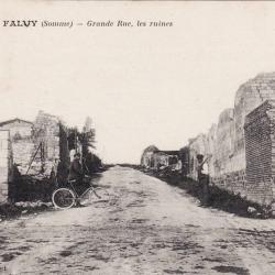 Grande rue en ruine