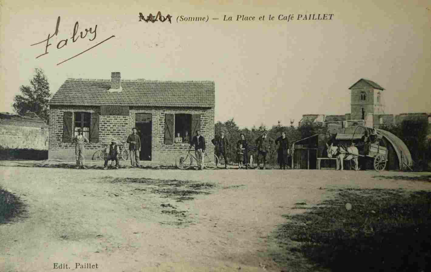 Falvy - La place et café Paillet