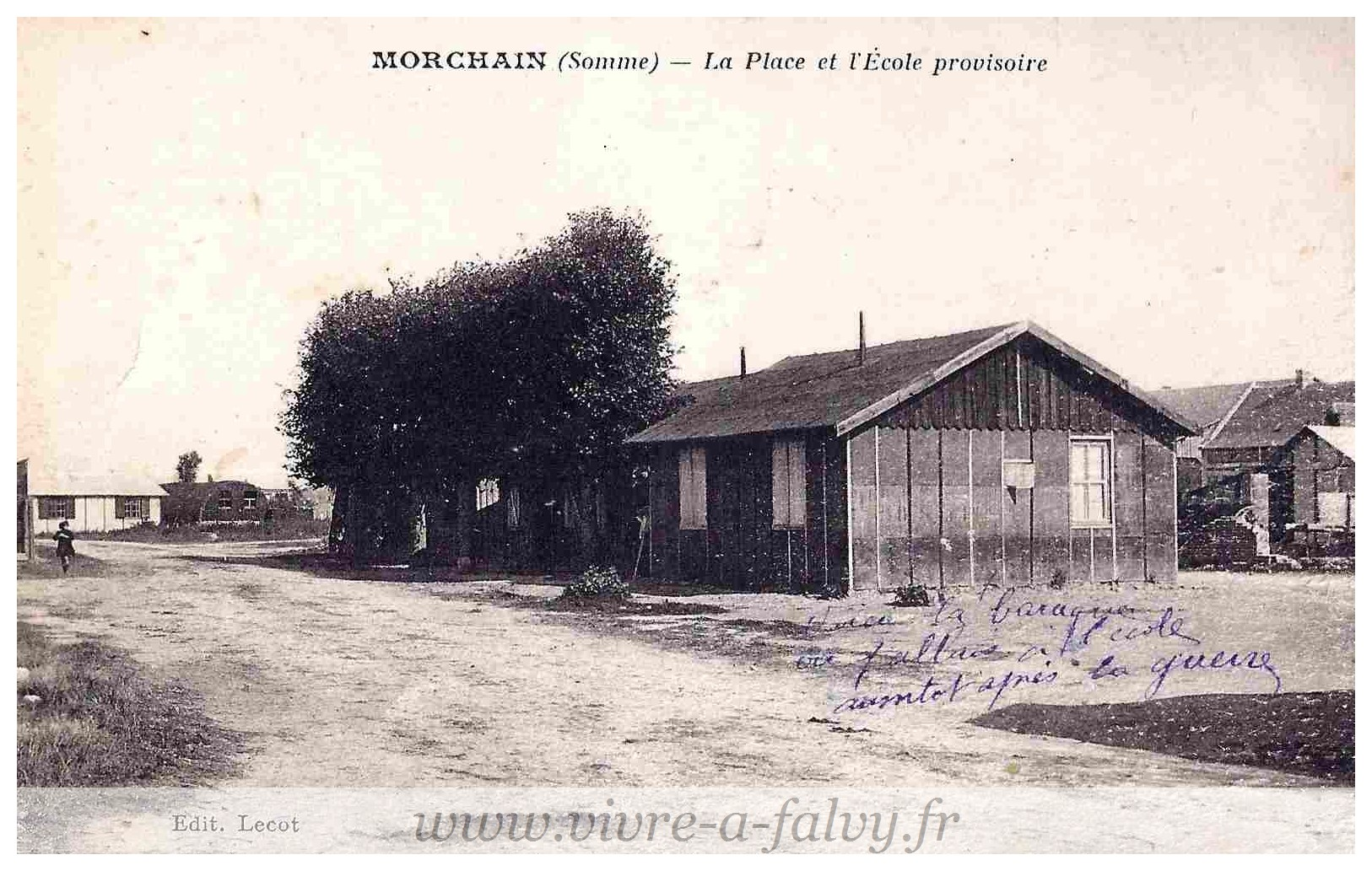 Morchain - La Place et l'Ecole provisoire