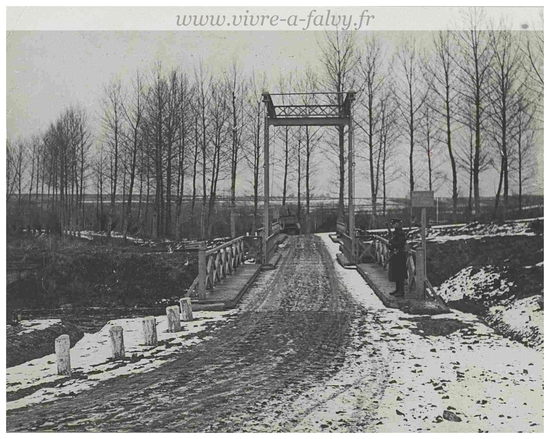 Pargny - Canal de la Somme Pont levant 14 janvier 1918