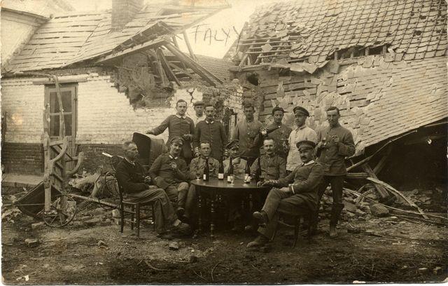 Soldats à Falvy
