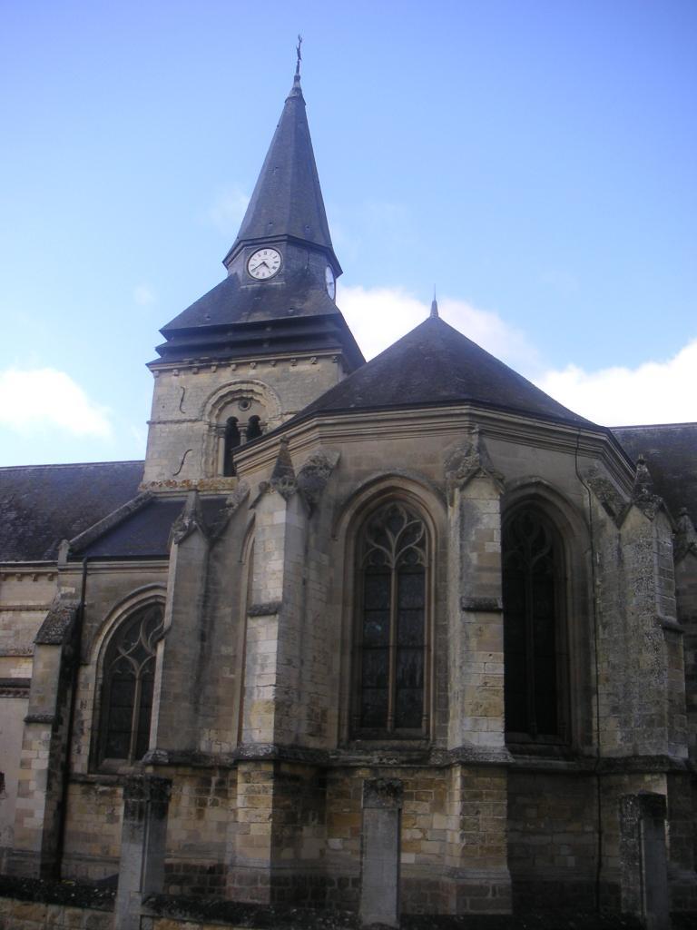 L'église de Falvy est de quel siècle ?