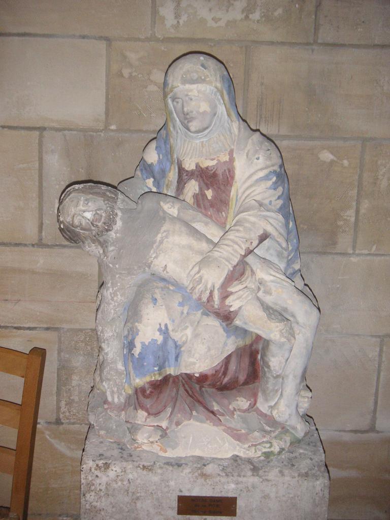 Comment appelle-t-on cette statuaire représentant le Christ mort sur les genoux de sa mère ?